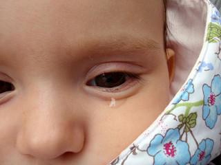 赤ちゃんの涙